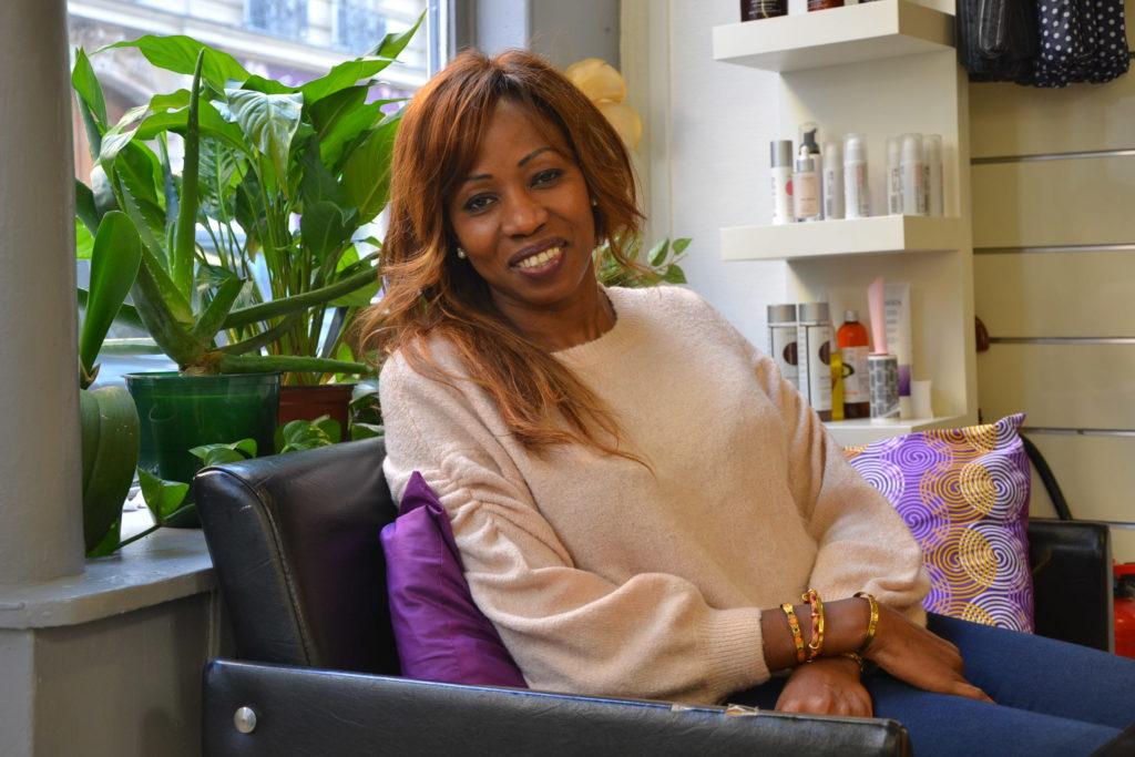 gnouma-coiffure-167-rue-legendre-75017-paris-coiffeur-salon-de-coiffure-afro-europeen-petitscommerces-fr-petits-commerces-2