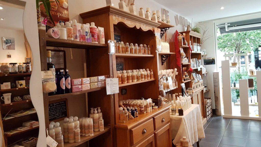 un-brin-de-nature-produits-naturels-saint-nazaire-cosmetiques-huiles-essentielles-entretien-bio-cote