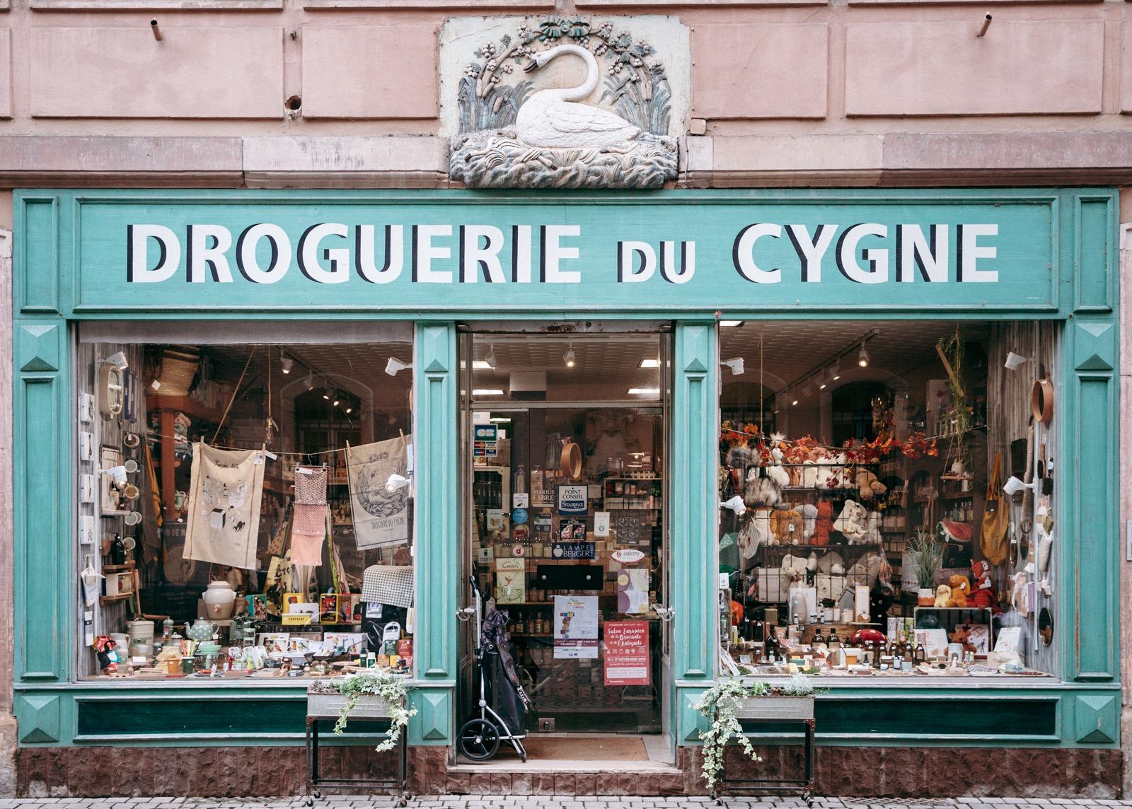 La Droguerie du Cygne À Strasbourg, les commerces indépendants luttent contre l'uniformisation