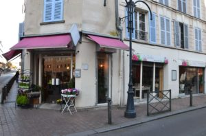 Les Dahlias fleuriste salon de thé 104 rue Paul Vaillant Couturier 95100 Argenteuil ©Petitscommerces 12