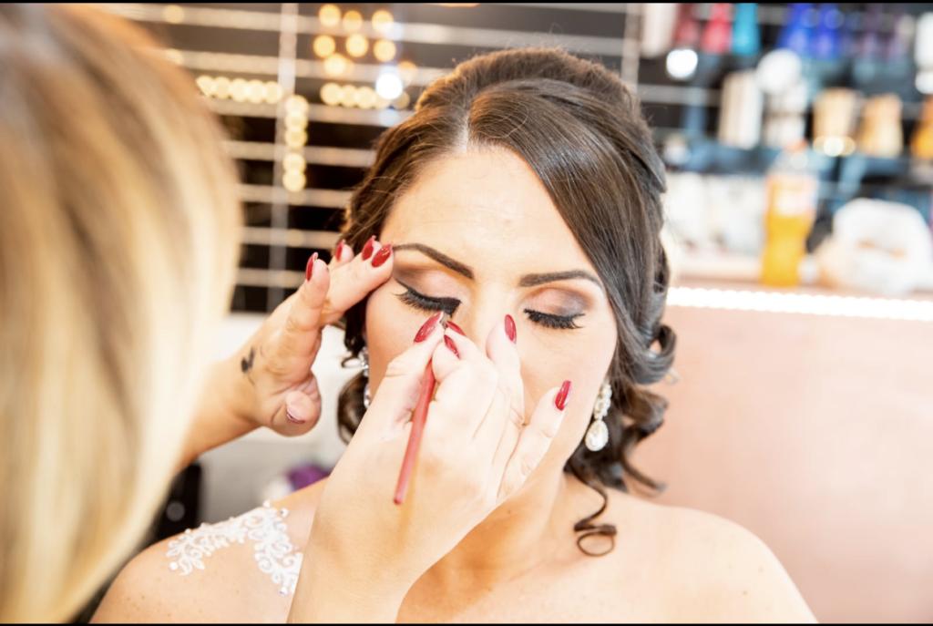Sarrah-Wedding-Salon-de-coiffure-et-maquillage-pour-les-mariées-48-boulevard-Foch-Epinay-sur-Seine3