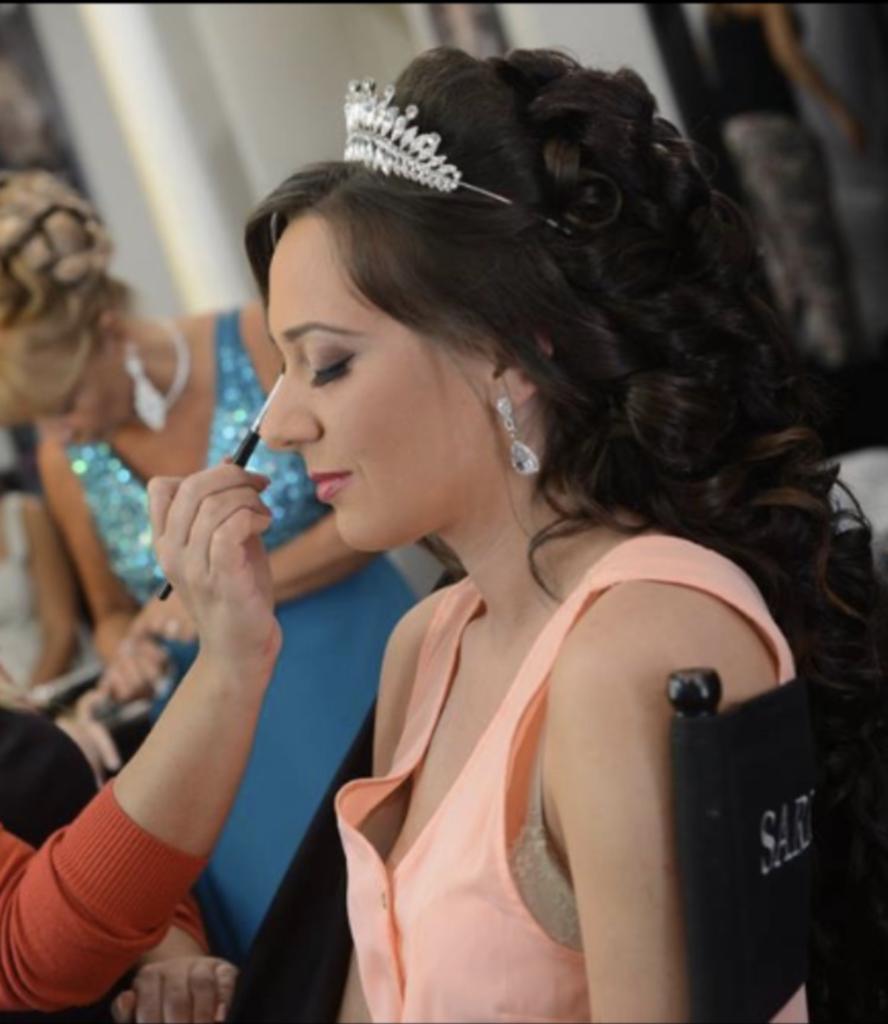 Sarrah-Wedding-Salon-de-coiffure-et-maquillage-pour-les-mariées-48-boulevard-Foch-Epinay-sur-Seine4