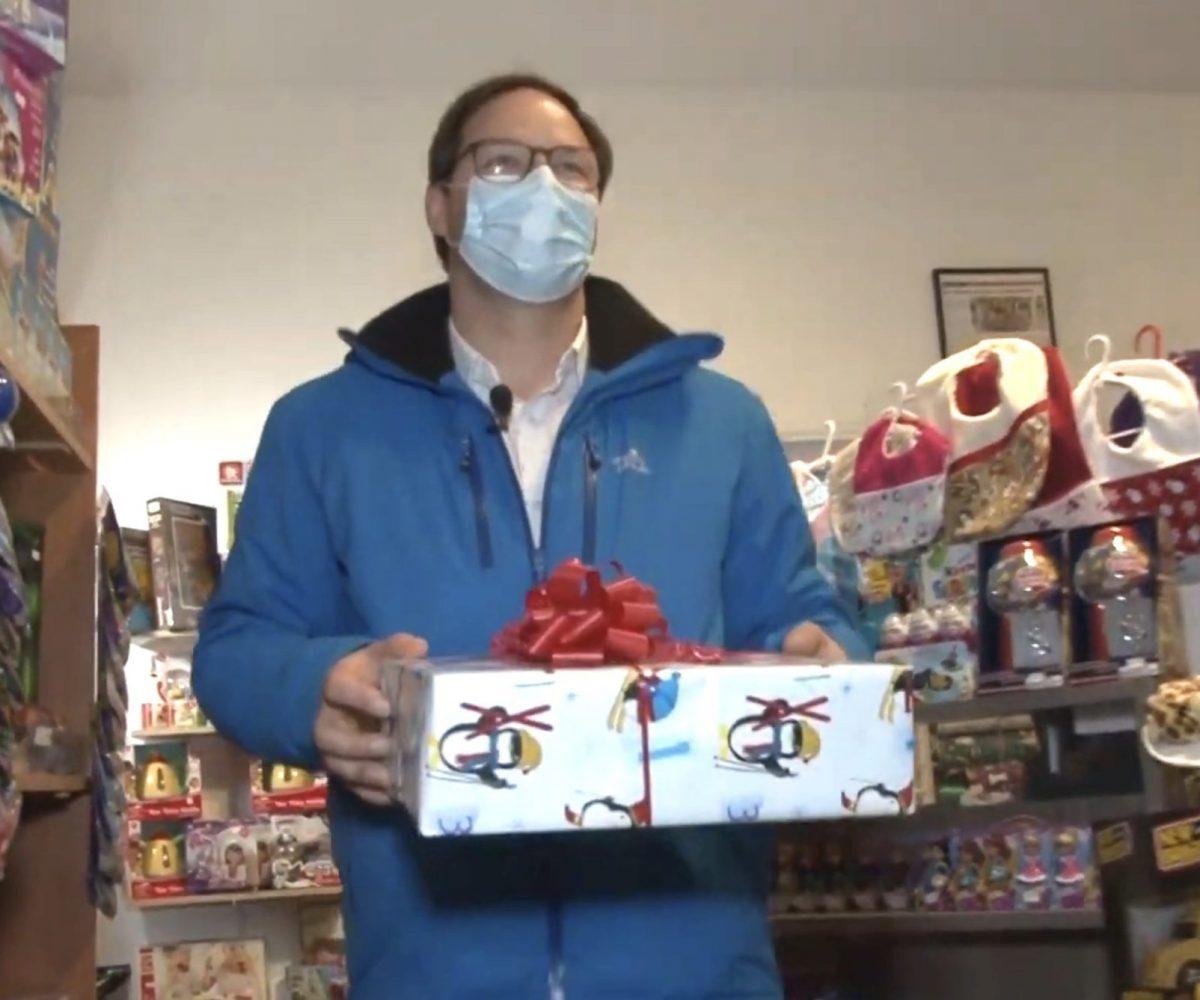 Au Québec, ce maire offre des cadeaux à ses commerçants pour inciter l'achat local !