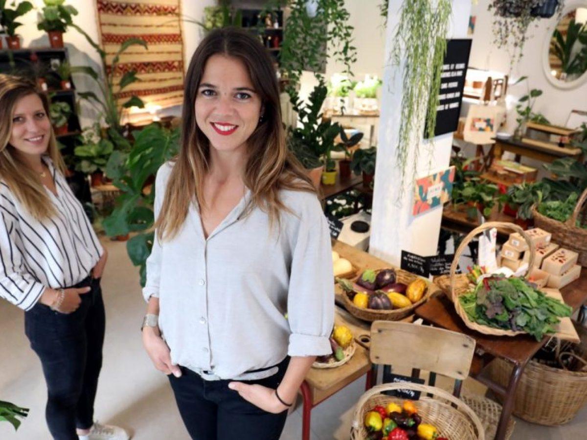 14 rue du Chateau d'eau 10eme Alice Lamoureux (la blonde) et Marion Eynius (la grande) ouvre une boutique de plantes fruits et legumes et produits qui ont été cultivés à Paris