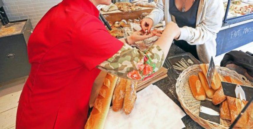 consommation-les-francais-attaches-au-commerce-de-proximite-blog-petitscommerces-la-boulangerie-est-le-commerce-ou-les-francais-se-rendent-le_plus