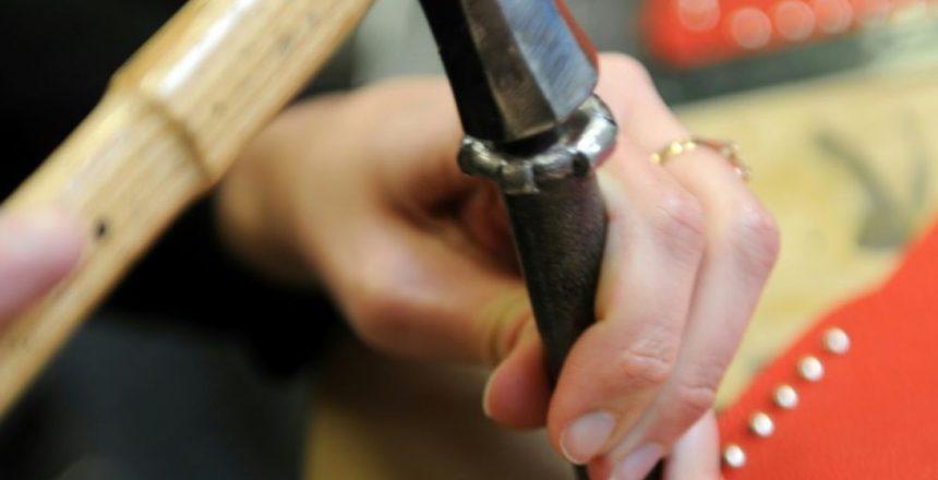en-quete-de-sens-des-jeunes-diplomes-francais-plaquent-tout-pour-devenir-artisan