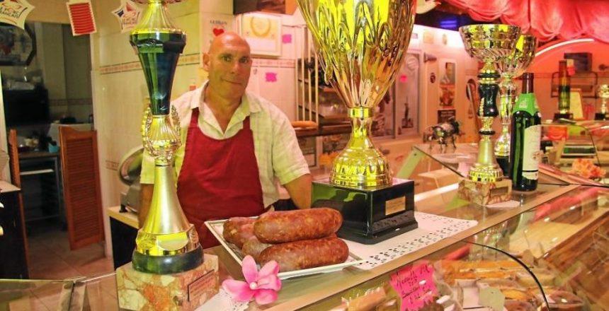 ouest-france-le-charcutier-collectionne-les-prix-blog-petitscommerces