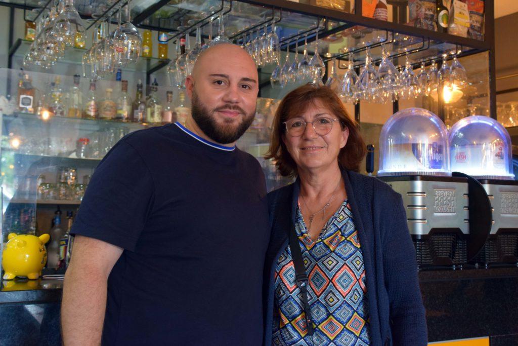 Le-train-de-vie-restaurant-Claye-Souilly-Adriano-Pecchia-et-sa-maman-Patricia