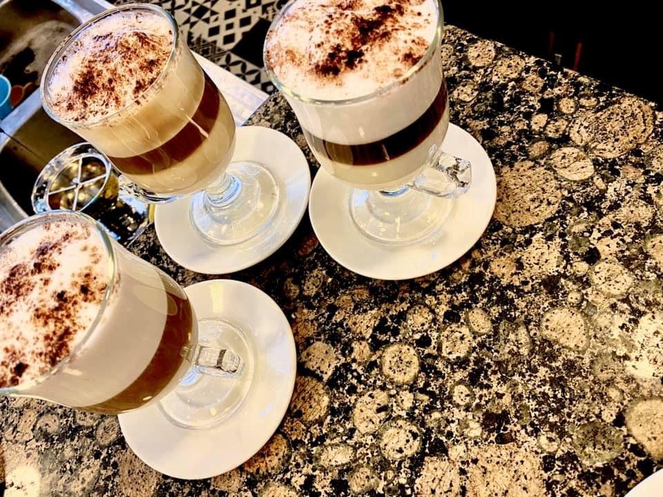 Restaurant-Bar-Le-Dilan-Restaurant-Traiteur-Mitry-Mory-Les-capuccinos-fait-maison-prepares-au-bar