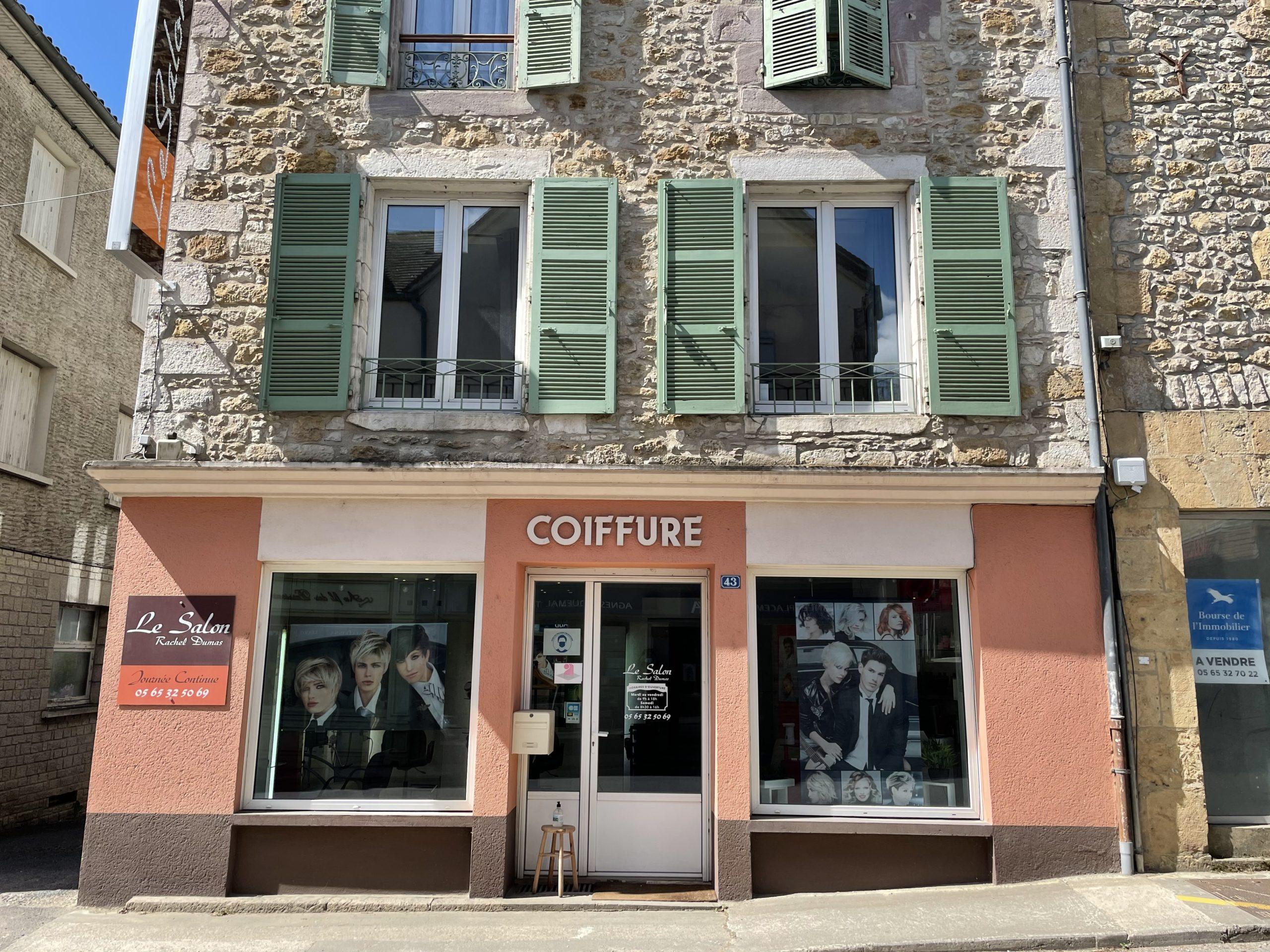 Partout en France, les petits commerces rouvrent à la campagne