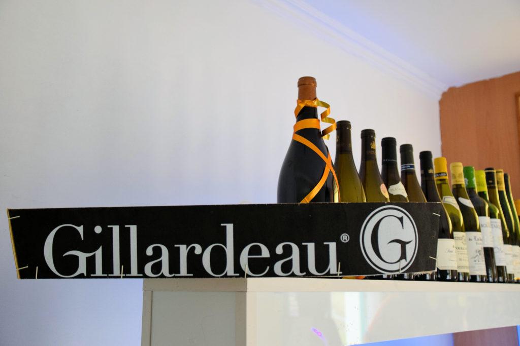 Au-vivier-de-la-mer-restaurant-Roissy-en-France-selection-des-vins-blancs-a-deguster-avec-les-huitres-francaises-Gillardeau