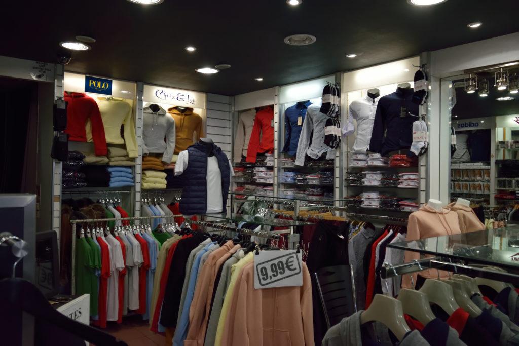Chris-et-Leo-boutique-de-pret-a-porter-Villeparisis-rayon-sportswear-pour-homme-et-femme
