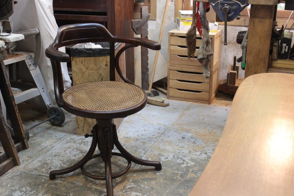 Ebenisterie-Thierry-de-Mullenheim-chaise-en-bois