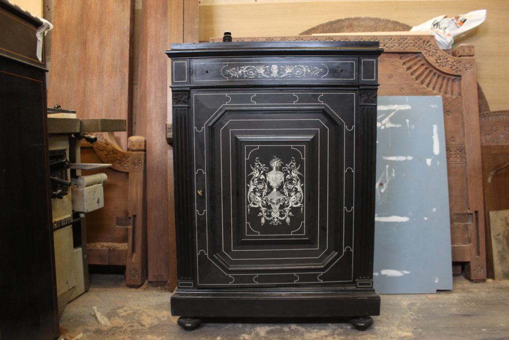 Ebenisterie-Thierry-de-Mullenheim-restauration-meubles-anciens-1
