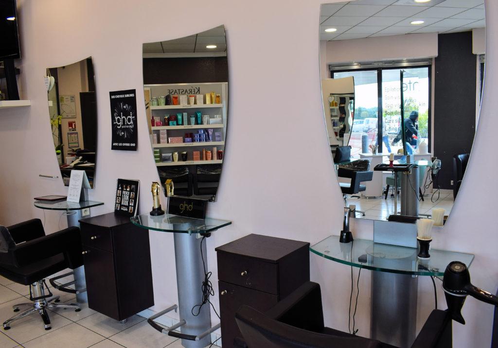 Intercoiff-salon-de-coiffure-Mitry-Mory-interieur-du-salon-cote-coupe-de-cheveux
