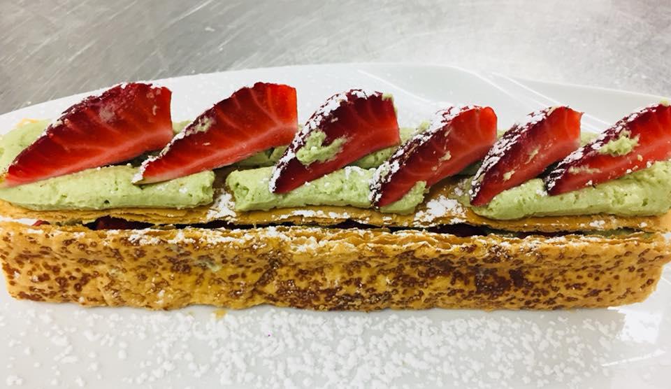 La-Closerie-restaurant-traiteur-Claye-Souilly-tartelette-aux-fraises-revisitee