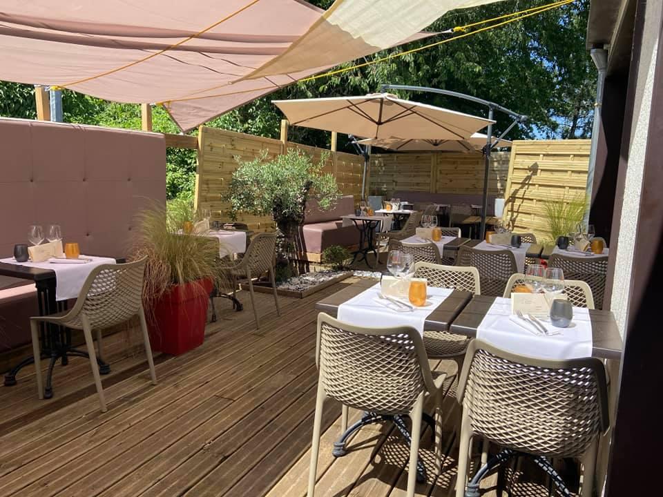 La-Closerie-restaurant-traiteur-Claye-Souilly-vue-de-la-terrasse