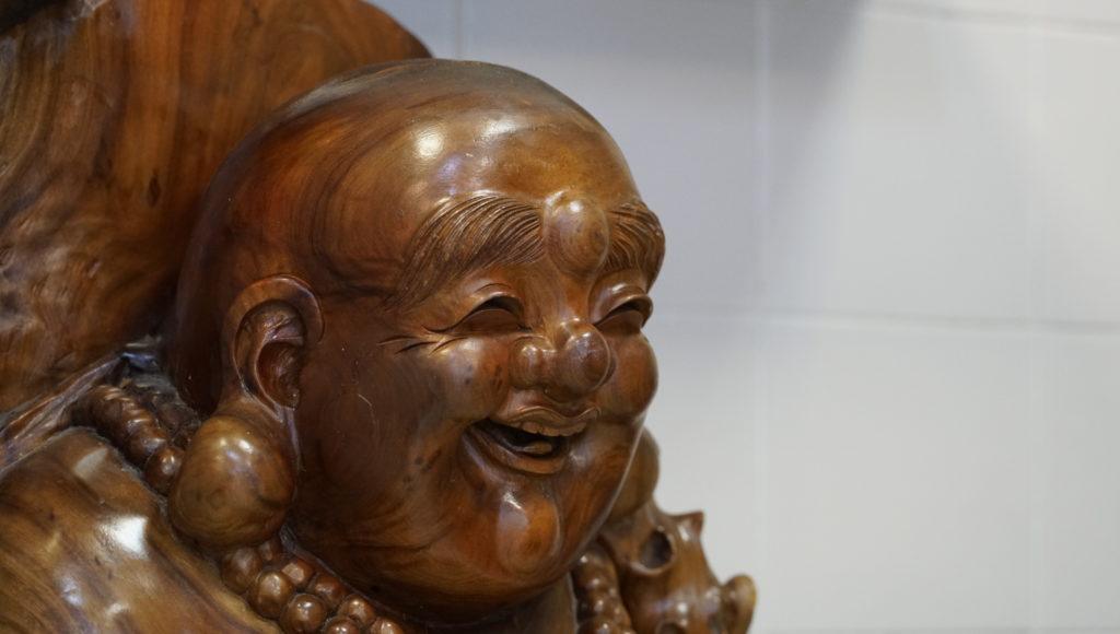 Meng-Hoa -Garge-les-gonesse traiteur-asiatique bouddha-en-bois