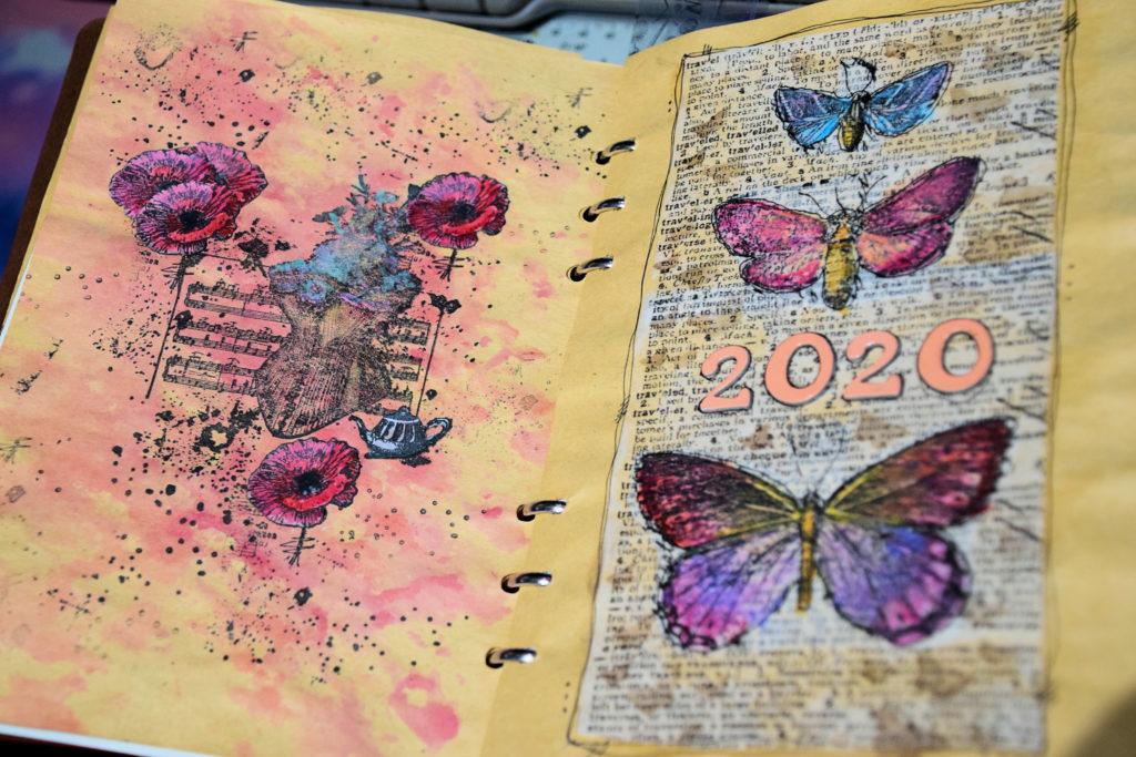 NymphCrea-boutique-de-createurs-bois-Othis-page-dun-agenda-en-bois-fait-en-srapbooking-par-Isabelle