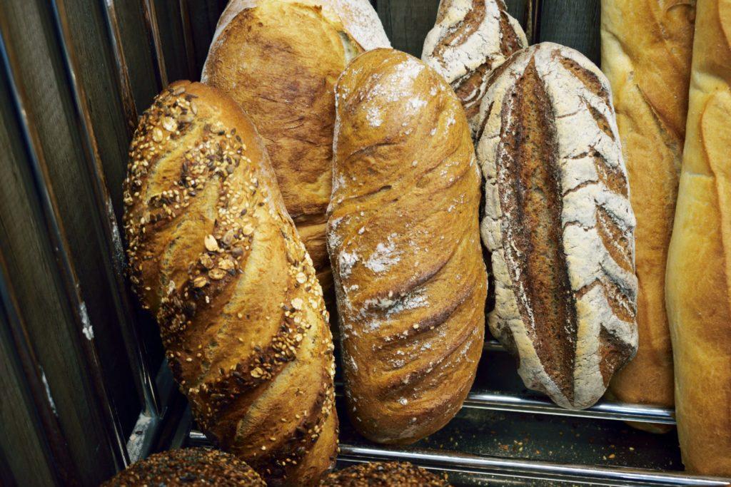 Boulangerie-de-leglise-boulangerie-patisserie-Vanves-pains-aux-cereales-et-petit-farine