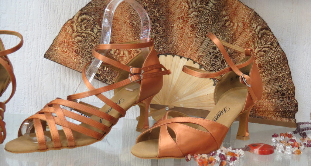 Jannic-Chaussures-Magasin-chaussures-Pezenas-Chaussures-Escarpins-1