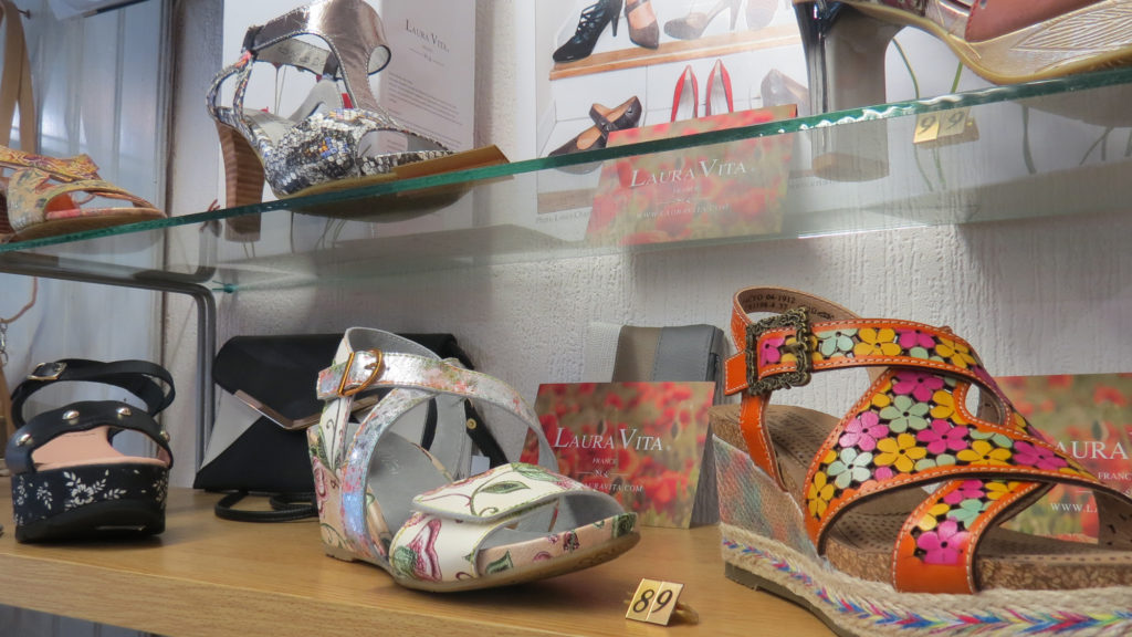 Jannic-Chaussures-Magasin-chaussures-Pezenas-Chaussures-Laura-Vita-1