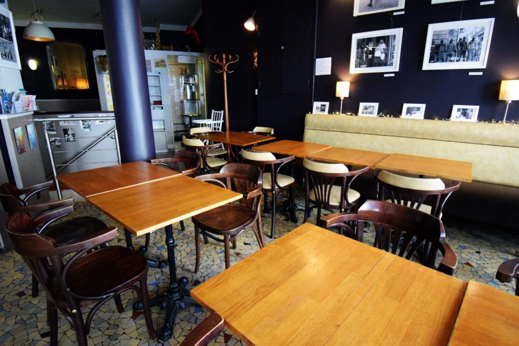 La-Girafe-creperie-restaurant-Vanves-vue-interieure-du-restaurant