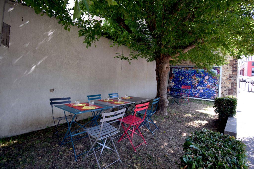 La-Treille-dHypathie-Bar-a-vins-Restaurant-Vanves-vue-terrasse-exterieure