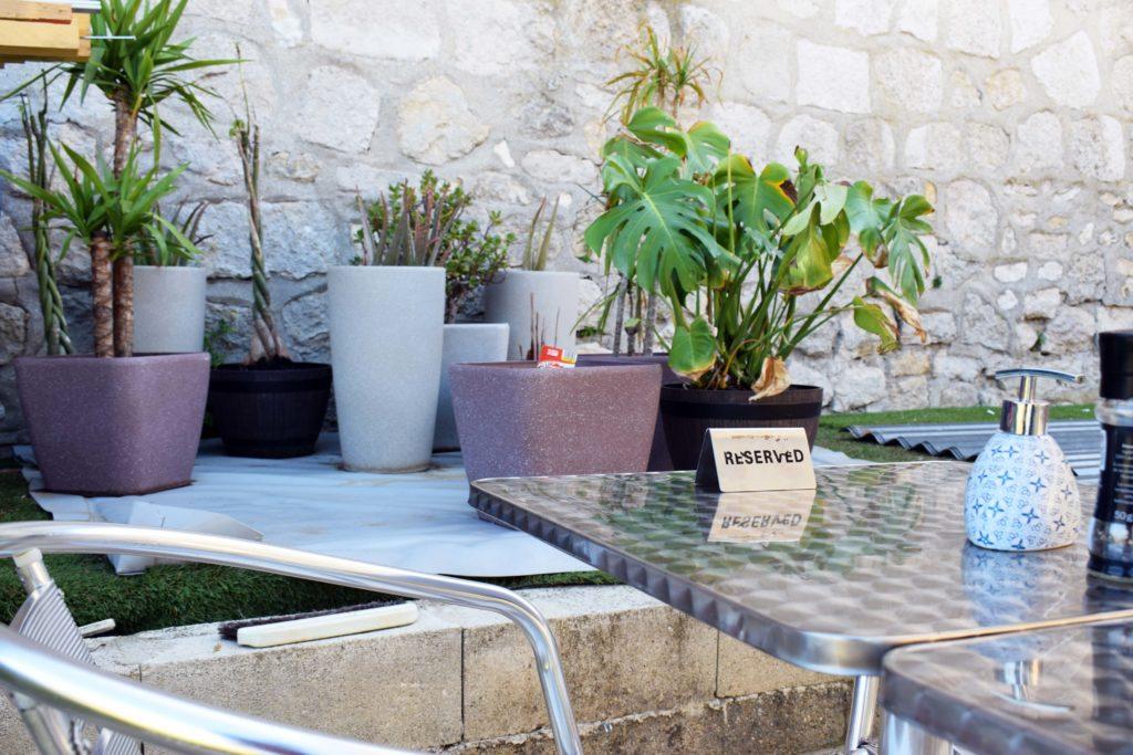Le-Gabriel-Peri-Bar-Brasserie-Mitry-Mory-une-table-reservee-au-restaurant