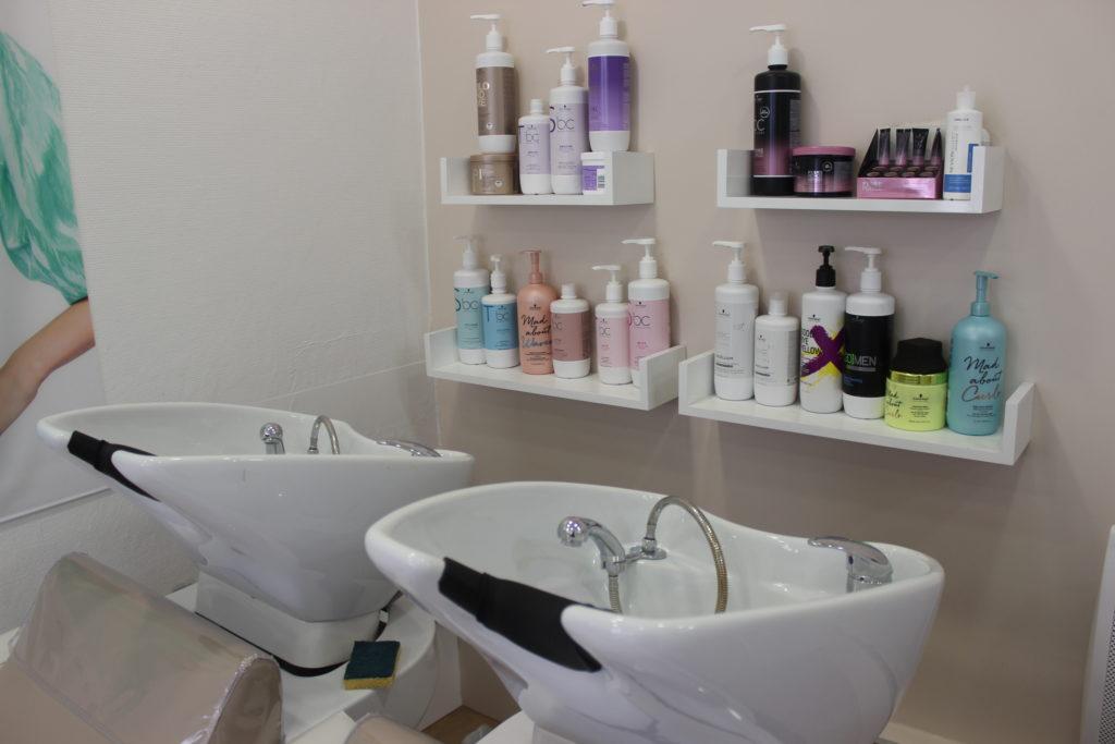 Le-salon-du-village-coiffure-vanves-bac-shampoing