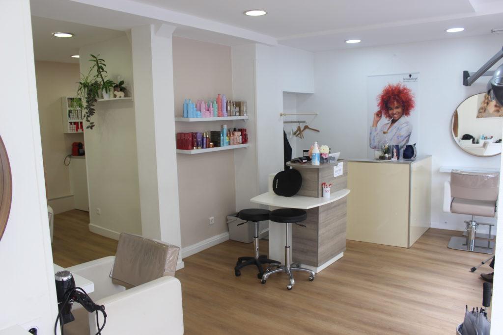 Le-salon-du-village-coiffure-vanves-interieur-accueil