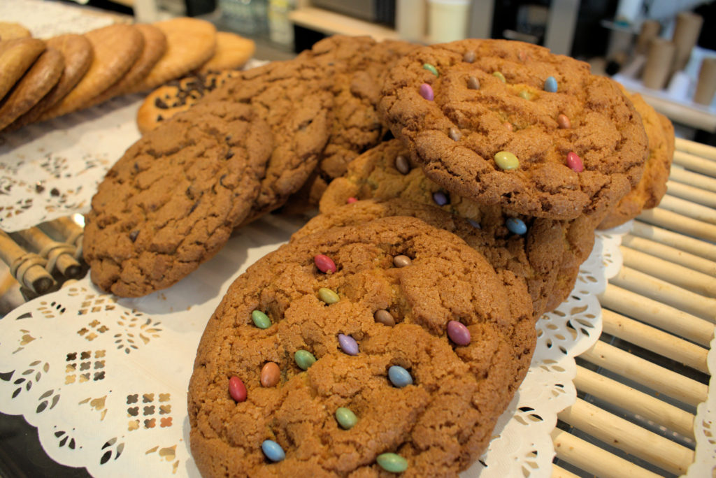 Les-toques-du-pain-boulangerie-patisserie-Vanves-cookies-avec-smarties