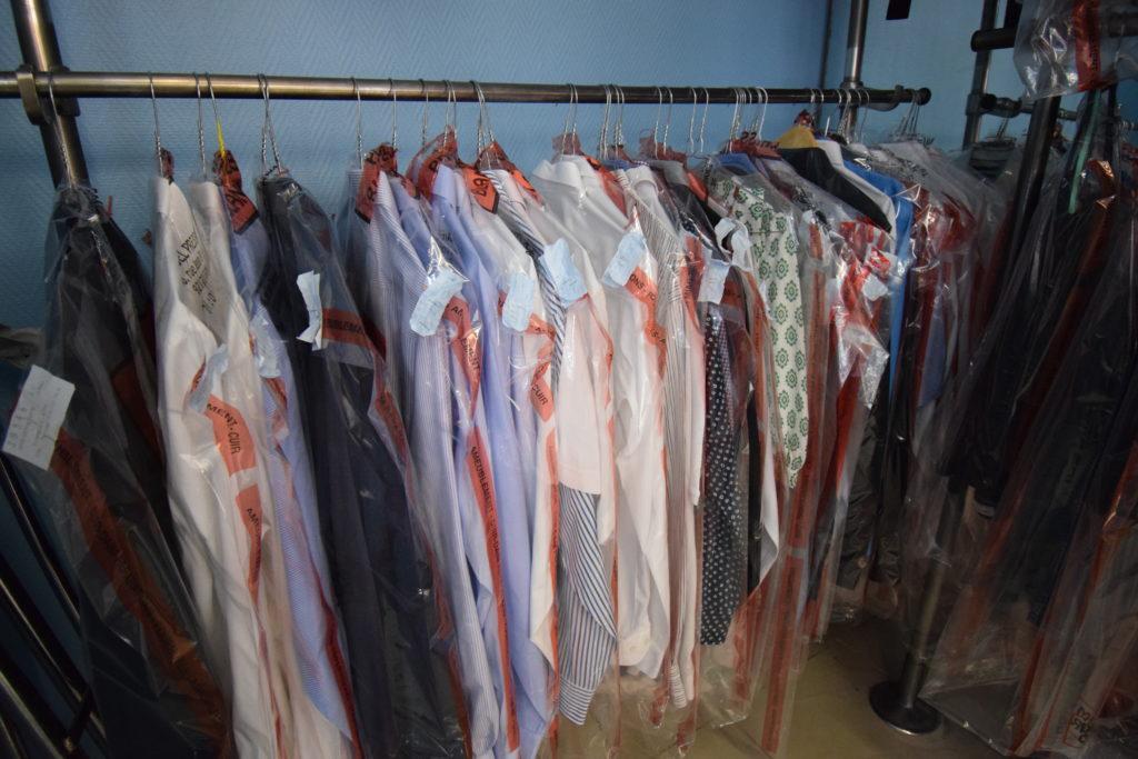 Qualite-pressing-Blanchisserie-pressing-Vanves-chemises-repasses