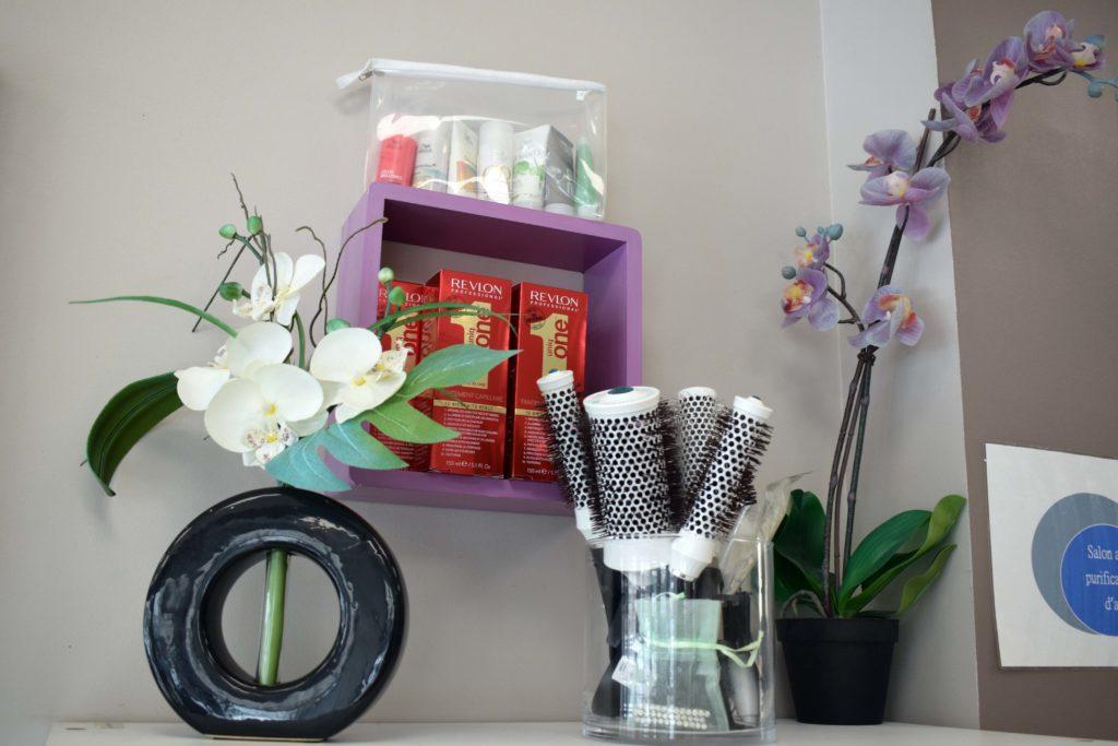 Art-Essentiel-salon-de-coiffure-mitry-mory-accesoires-de-coiffure-et-produits-de-soins-Revlon