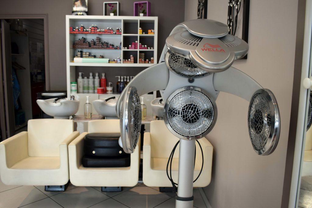 Art-Essentiel-salon-de-coiffure-mitry-mory-machine-pour-permanente