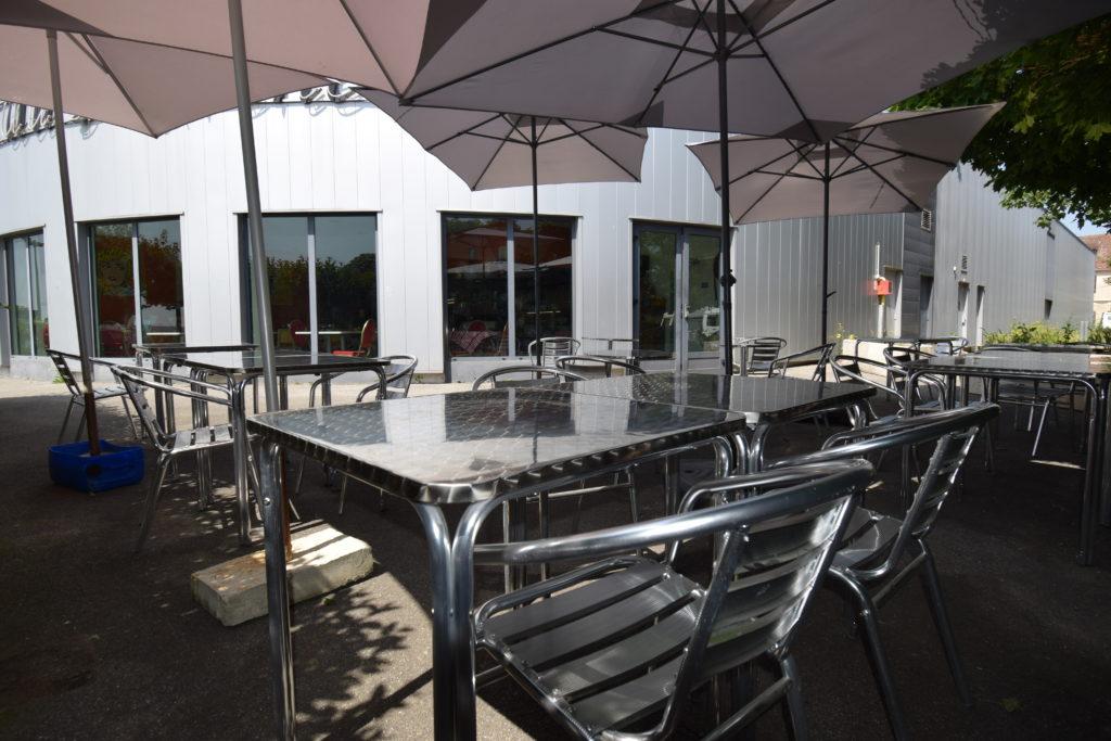 Bistrot-du-Marche-Restaurant-Mitry-Mory-vue-du-restaurant-depuis-la-terrasse-exterieure