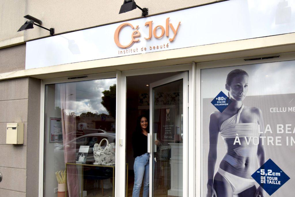 Ce-Joly-institut-de-beaute-Mitry-Mory-Celia-a-lentree-de-son-institut