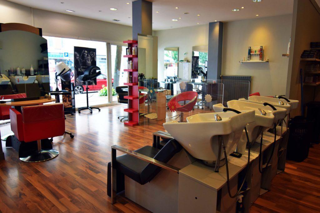 LB-Creations-salon-de-coiffure-Vanves-vue-interieure-du-salon