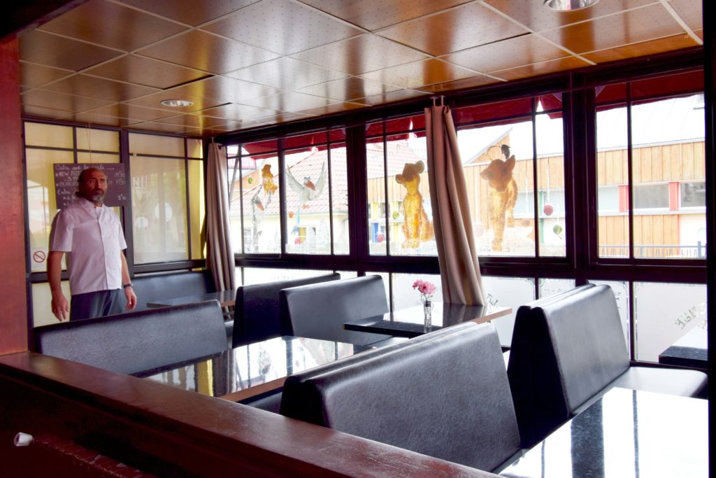 La-Boule-Joyeuse-restaurant-Mitry-Mory-la-salle-de-restaurant-de-Jose