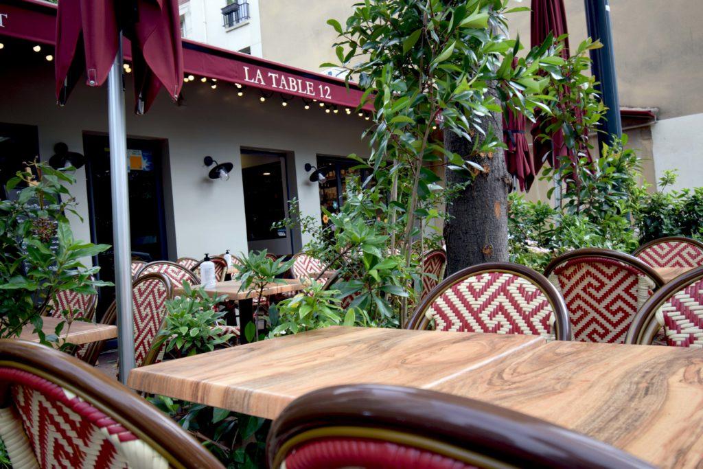 La-Table-12-epicerie-fine-restaurant-Vanves-devanture-depuis-la-terrasse