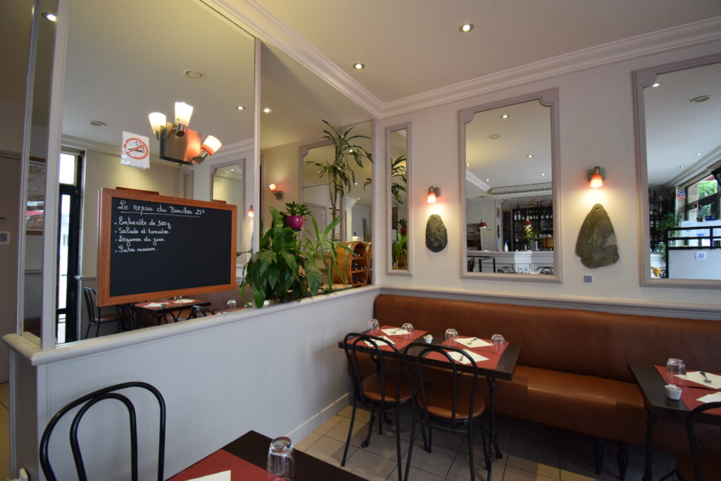 Oh-Divin-restaurant-Vanves-interieur-salle-depuis-le-bar