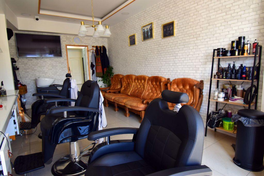 LN-Beaute-salon-de-coiffure-et-beaute-Villiers-Le-Bel-espace-salon-de-coiffure-et-barbier-pour-homme